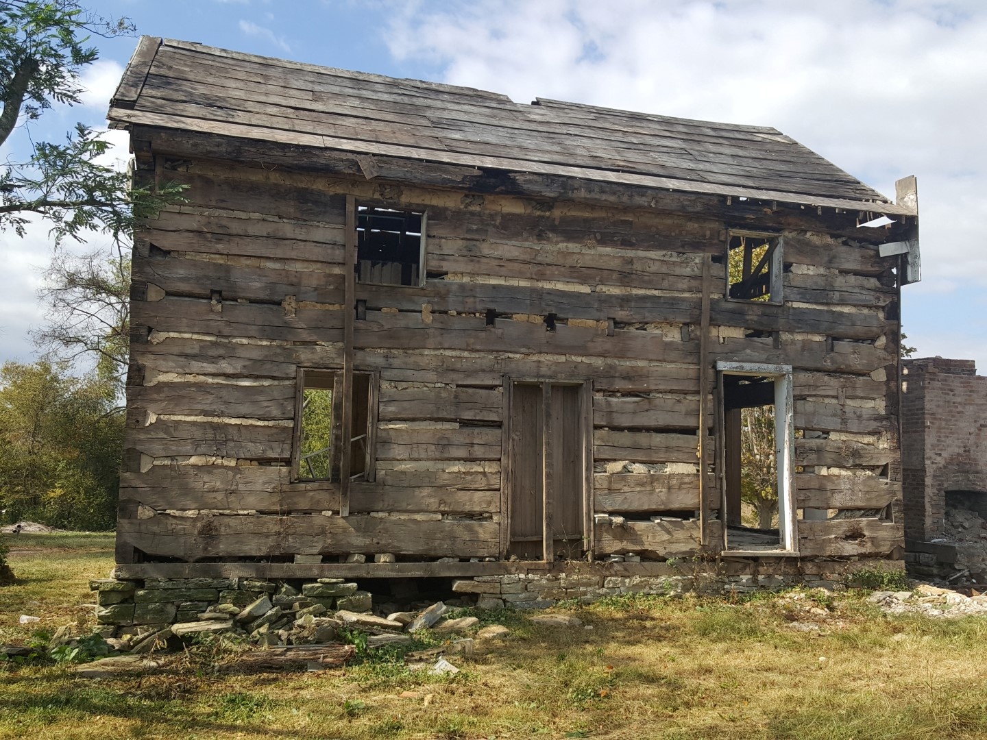 Bloomfield Old Log Cabins